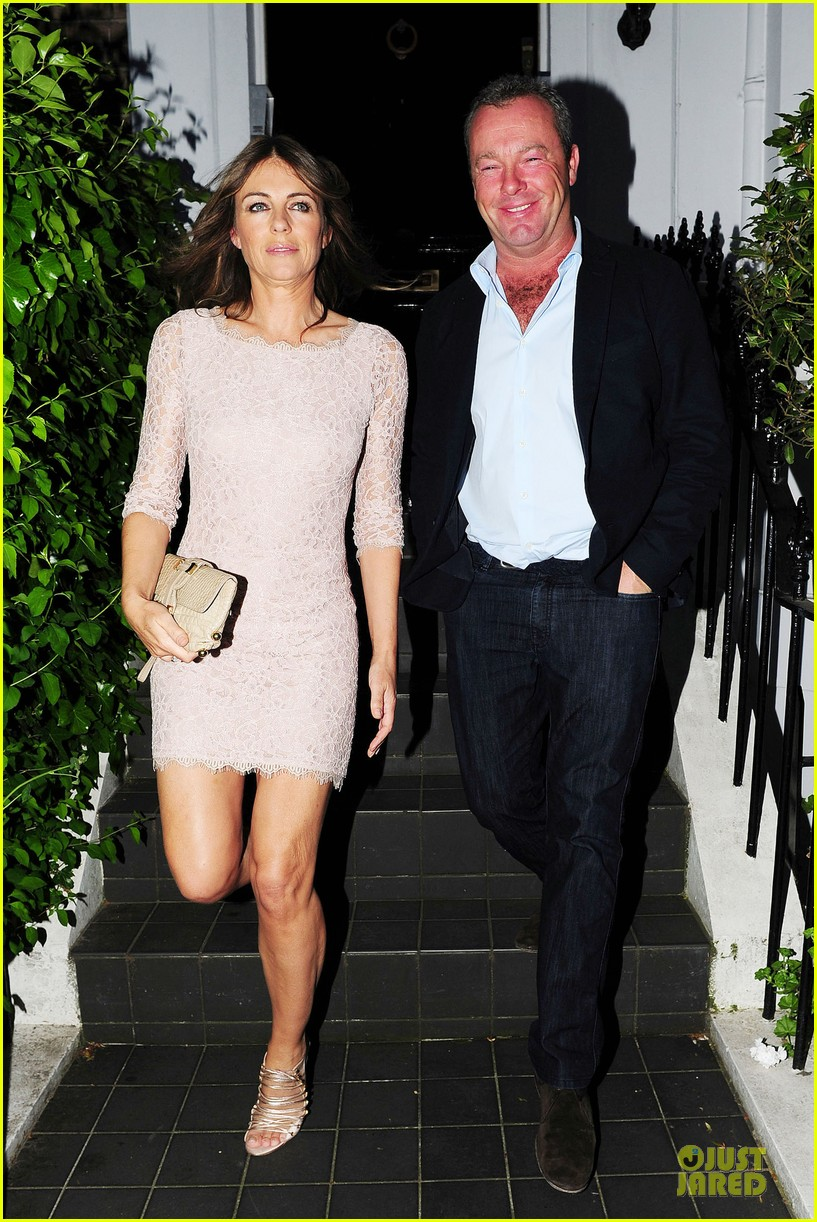 hugh grant elizabeth hurley meet up 153111912