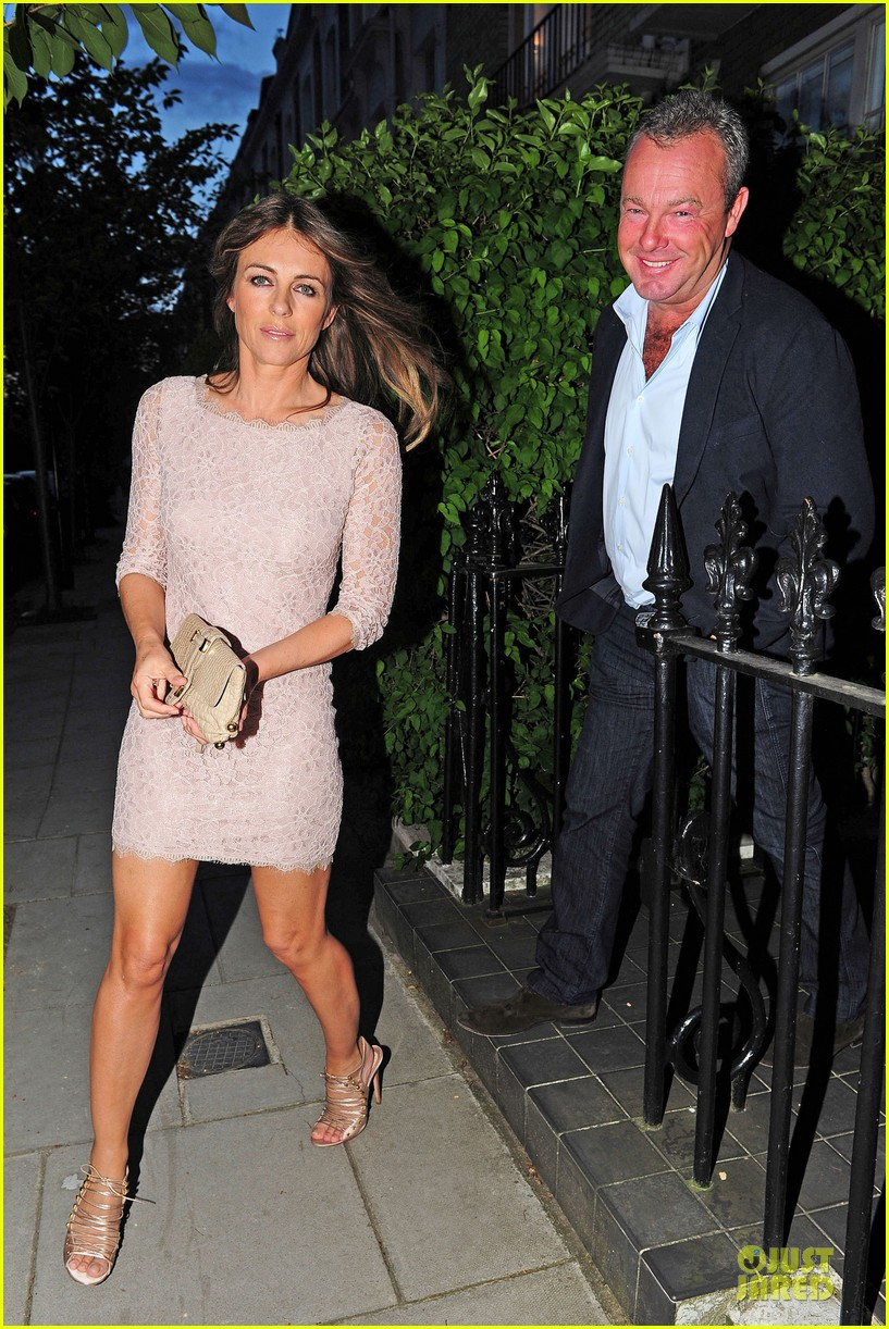 hugh grant elizabeth hurley meet up 233111920