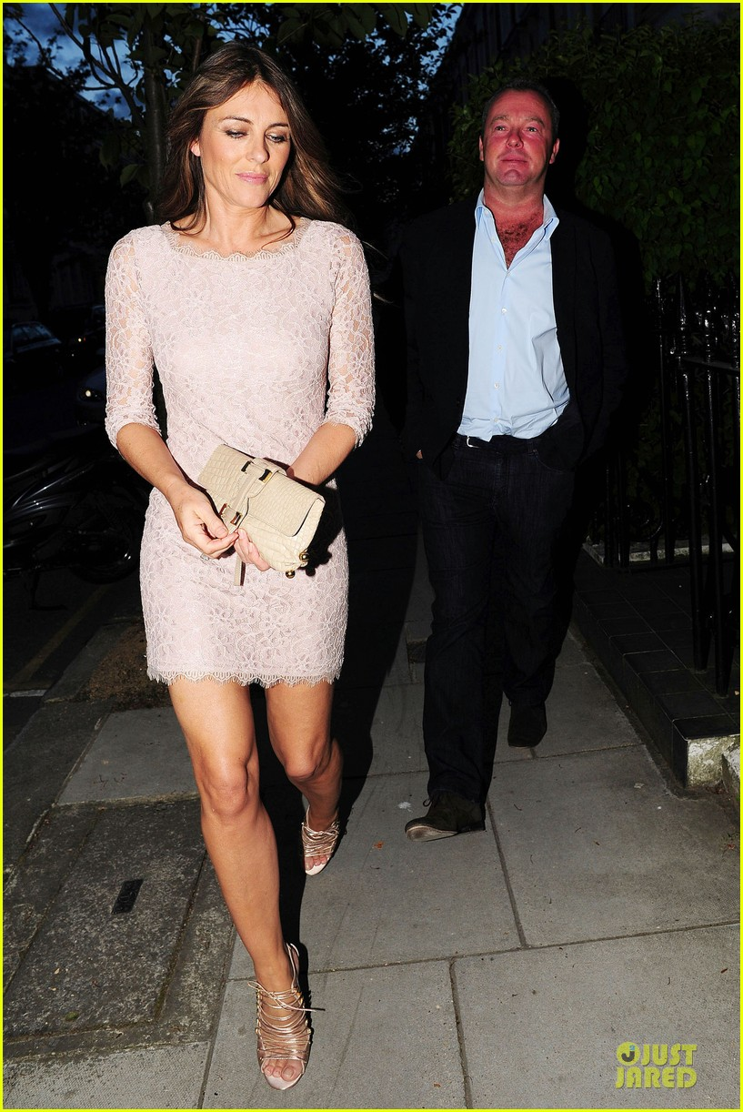 hugh grant elizabeth hurley meet up 253111922