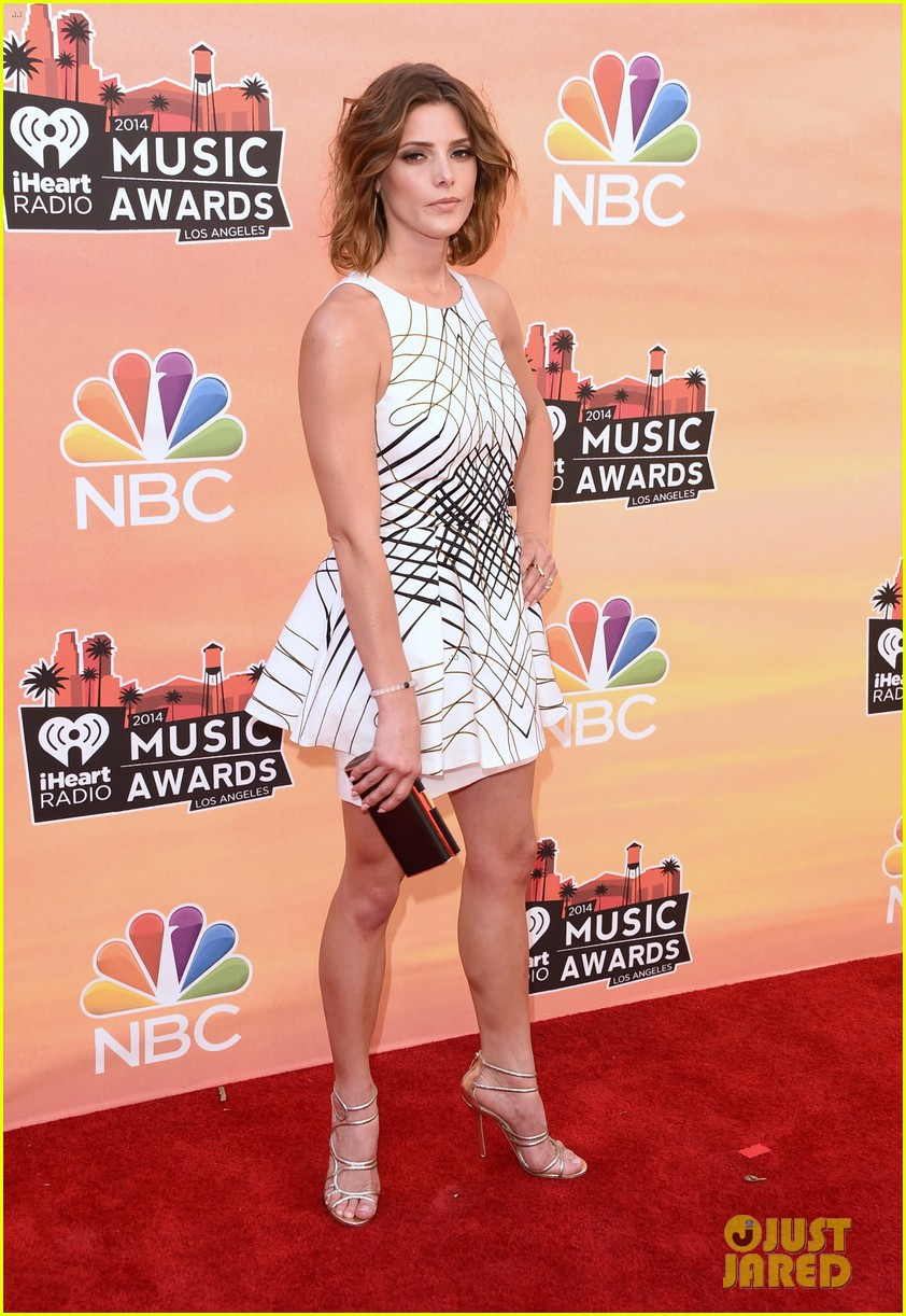 ashley greene iheartradio music awards 2014 073103310