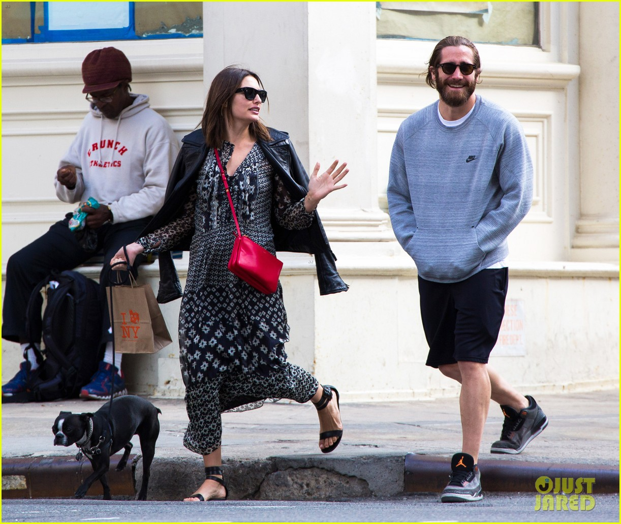 jake gyllenhaal alyssa miller first spotting in months 083107816