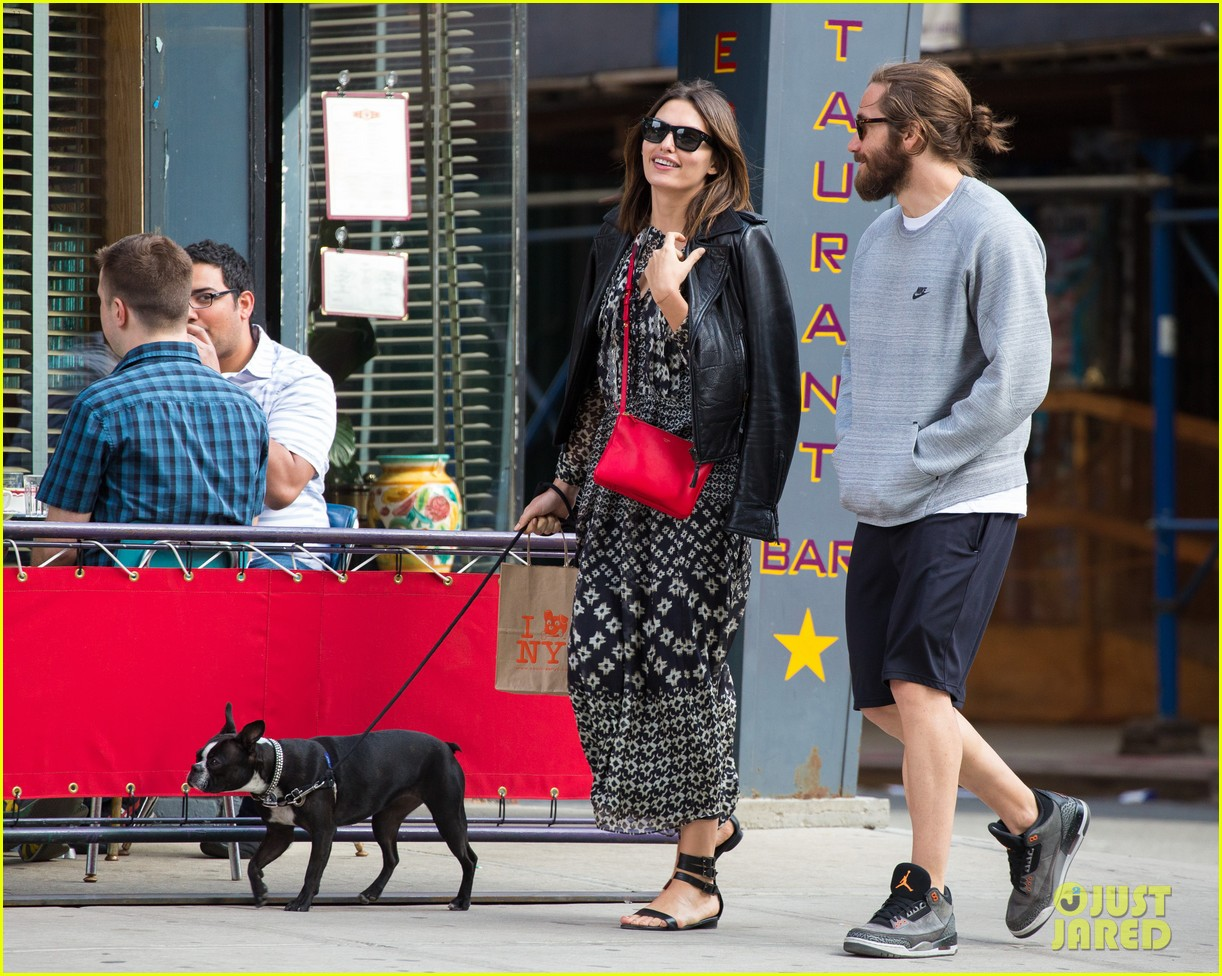 jake gyllenhaal alyssa miller first spotting in months 113107819