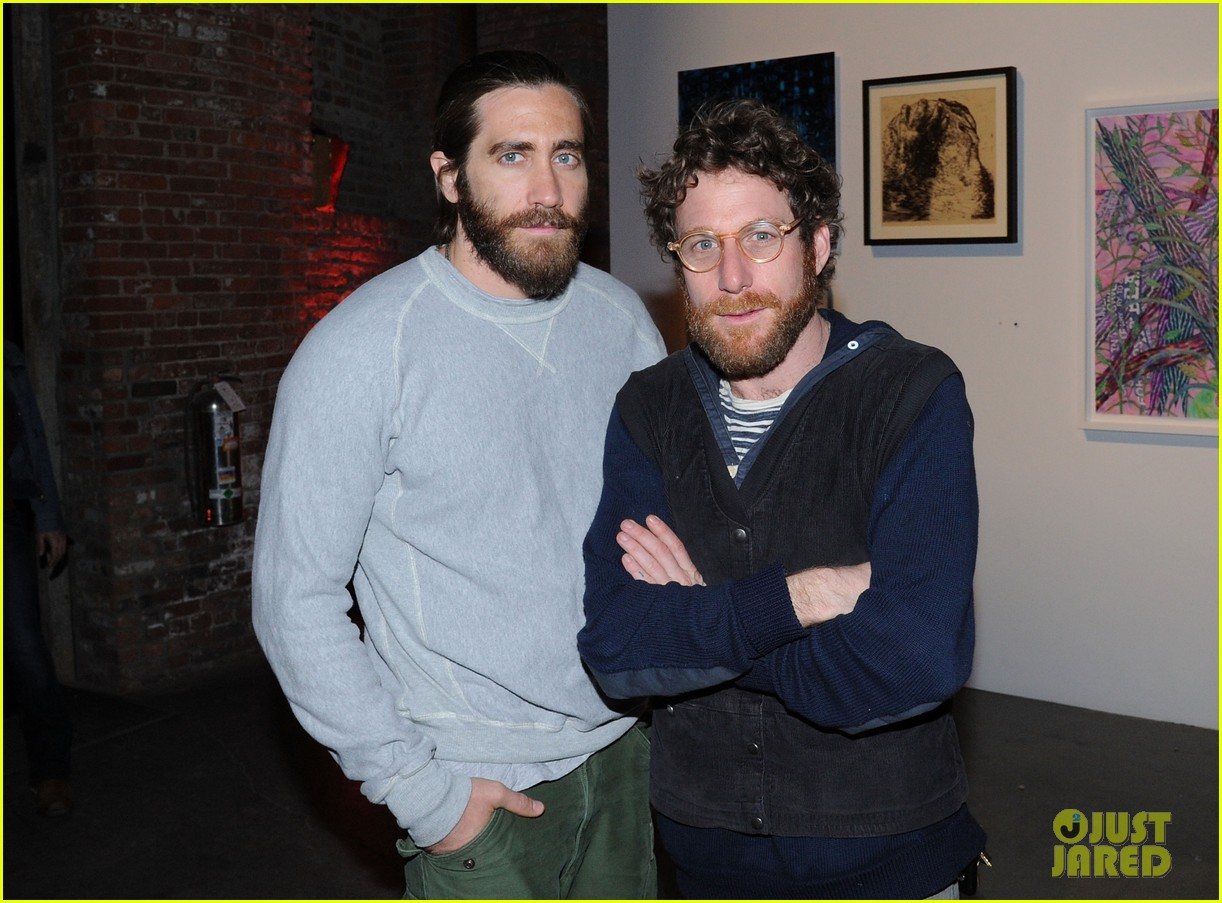 jake gyllenhaal attends first annual village fete fundraiser with sister maggie naomi watts 02