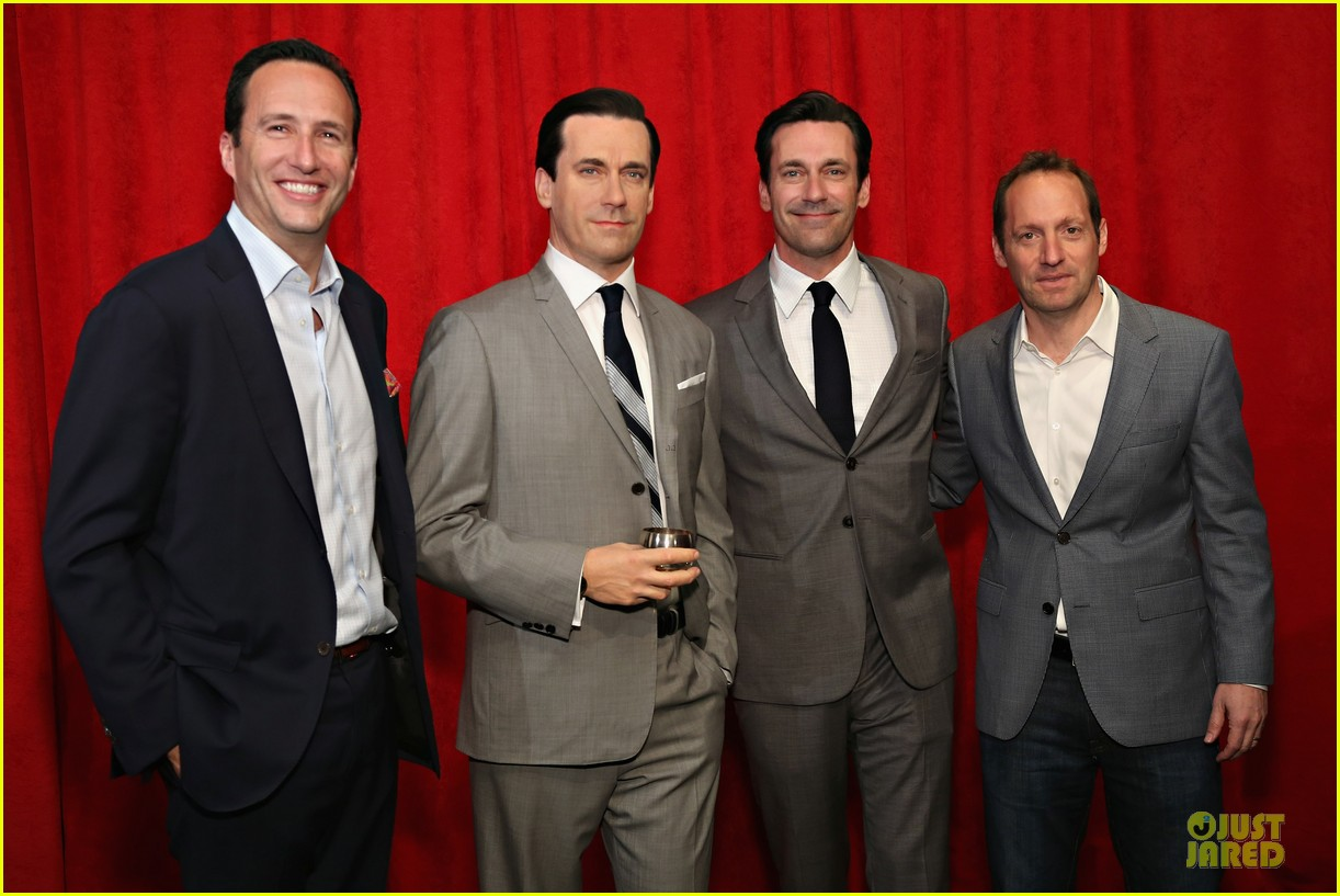 jon hamm happy selfie with wax figure 083109786