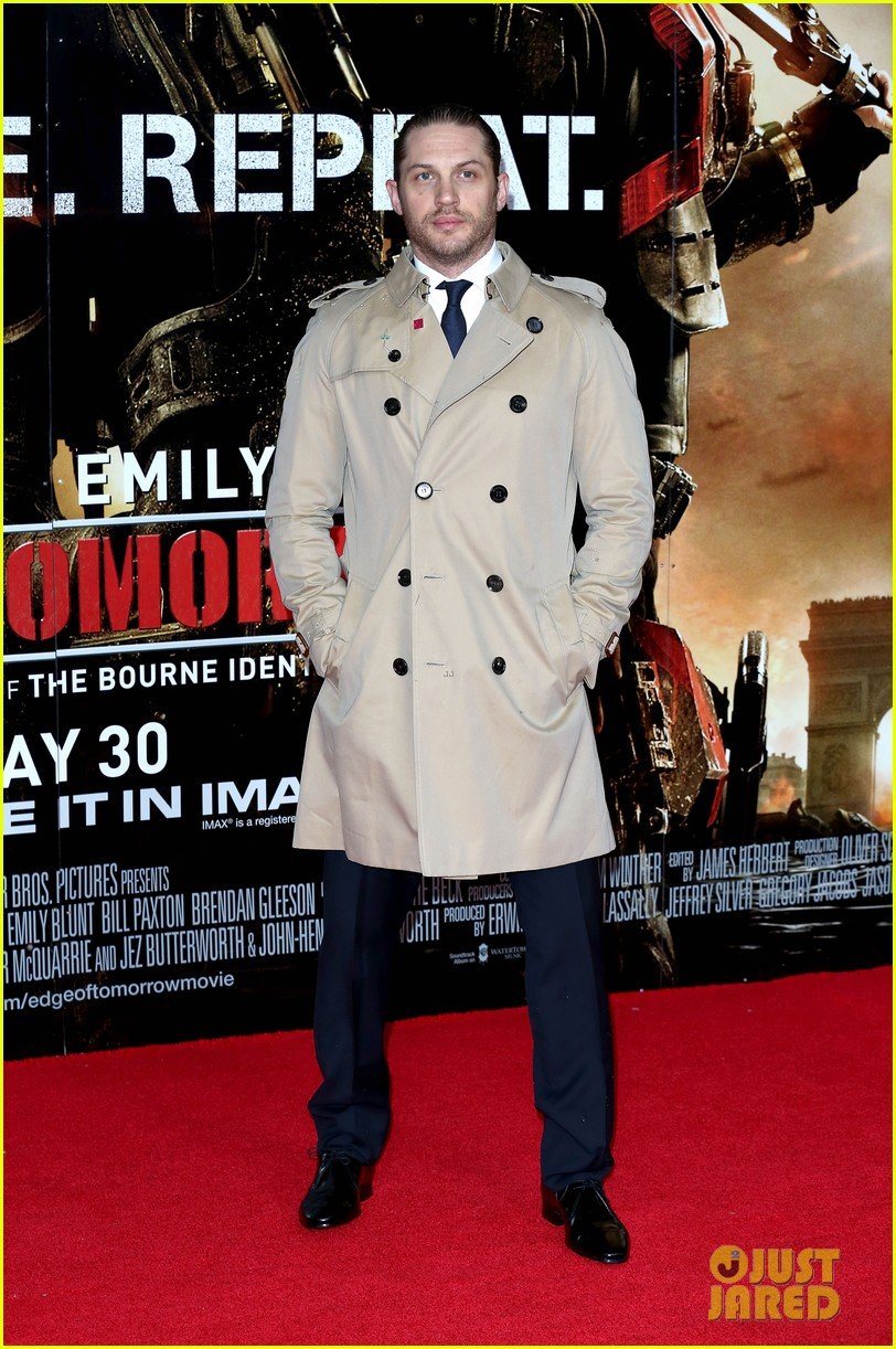 tom hardy supports girlfriend charlotte riley at edge of tomorrow london premiere 013123182