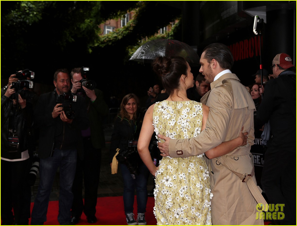 tom hardy supports girlfriend charlotte riley at edge of tomorrow london premiere 083123189