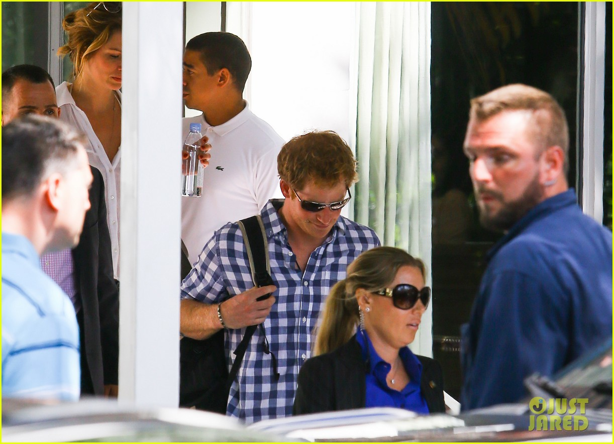 prince harry parties in miami ahead of friends wedding 083103238