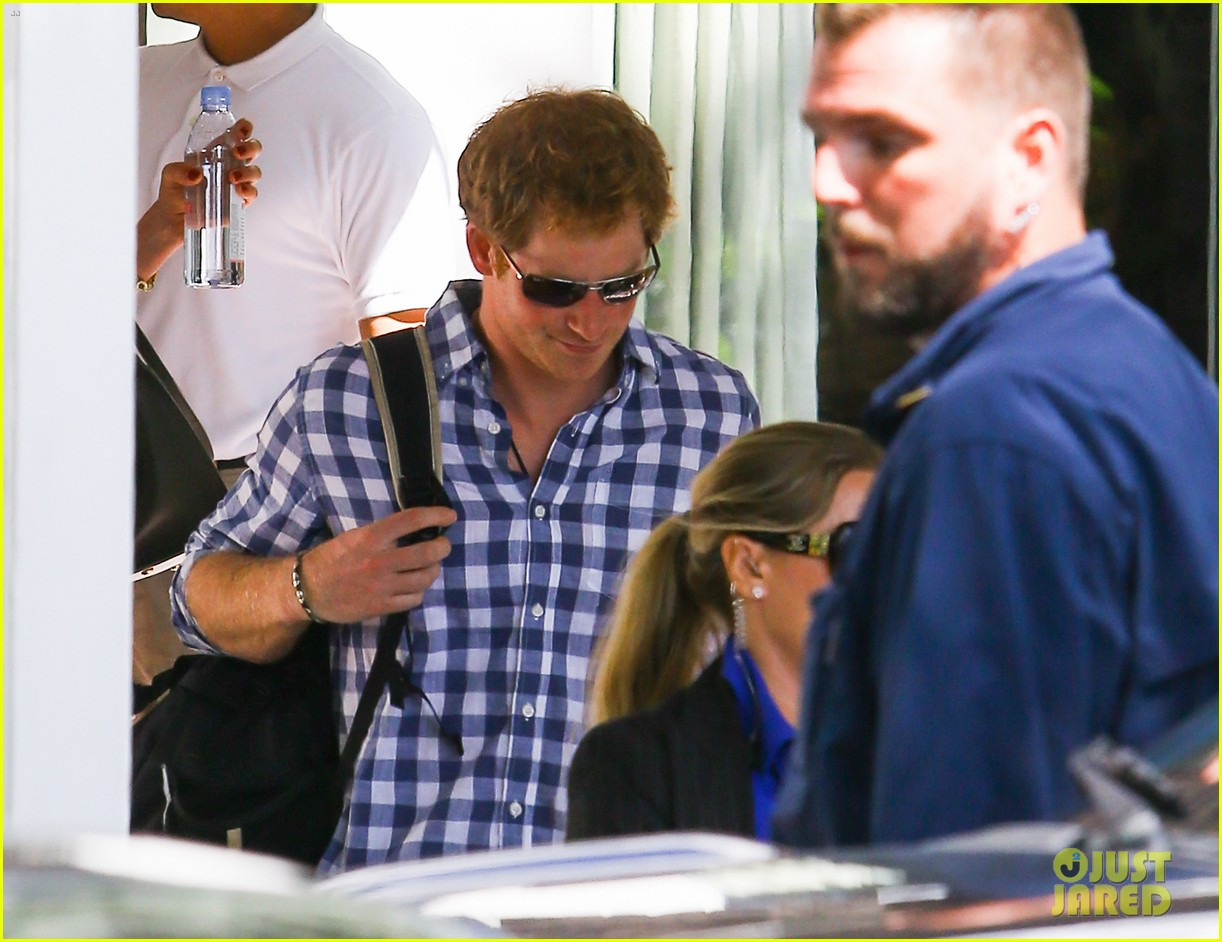 prince harry parties in miami ahead of friends wedding 09