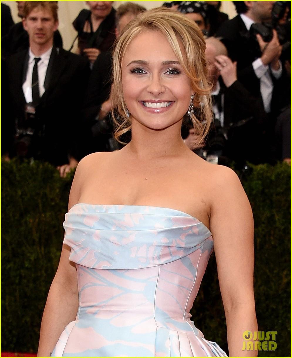hayden panettiere met ball 2014 red carpet 03
