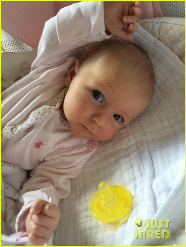 john krasinski emily blunt daughter hazel 013112574