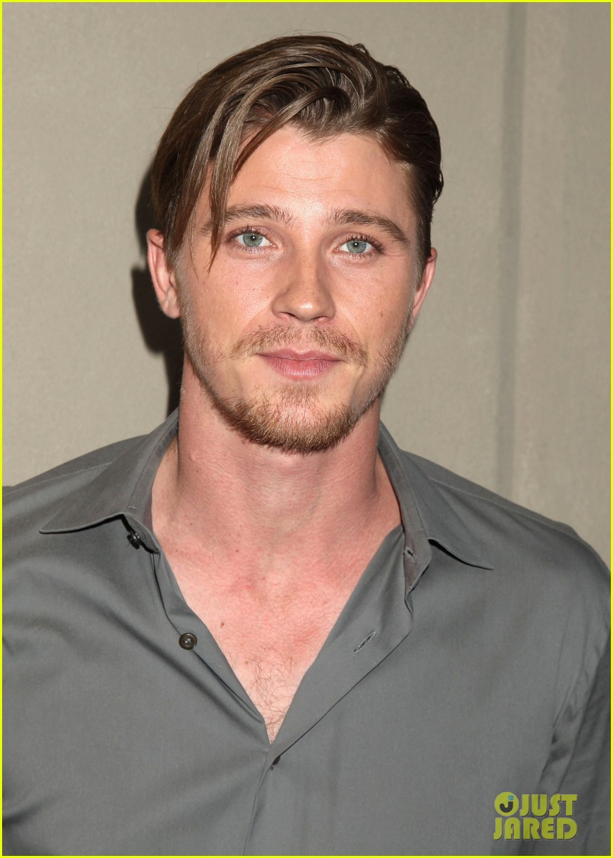 garrett hedlunds winning smile will probably cure your hump day blues 053107302