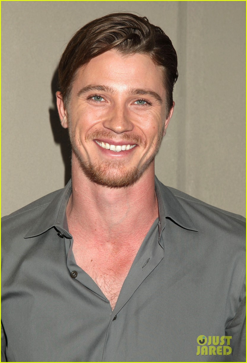 garrett hedlunds winning smile will probably cure your hump day blues 063107303