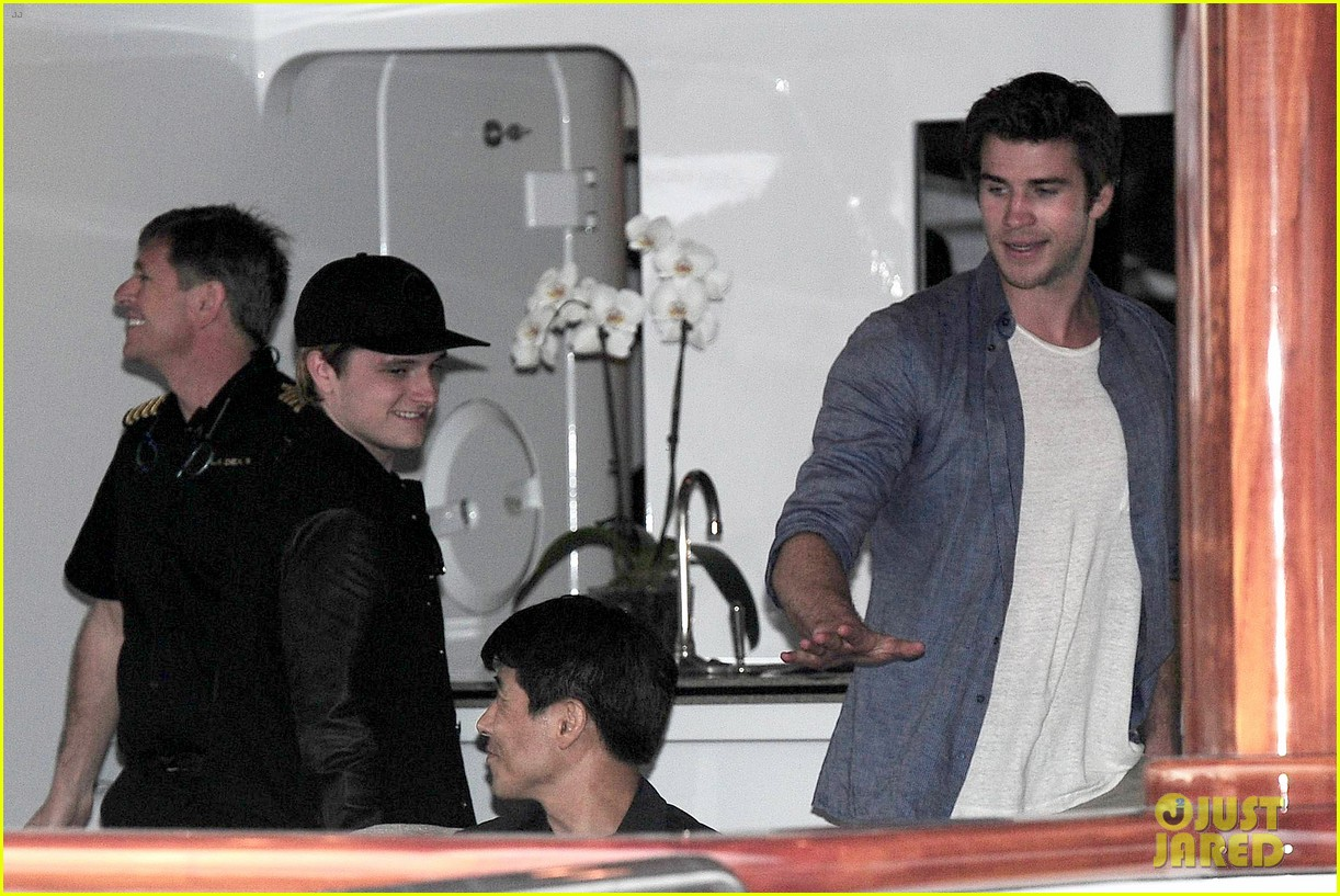 liam hemsworth josh hutcherson hunger games cannes party 133115897