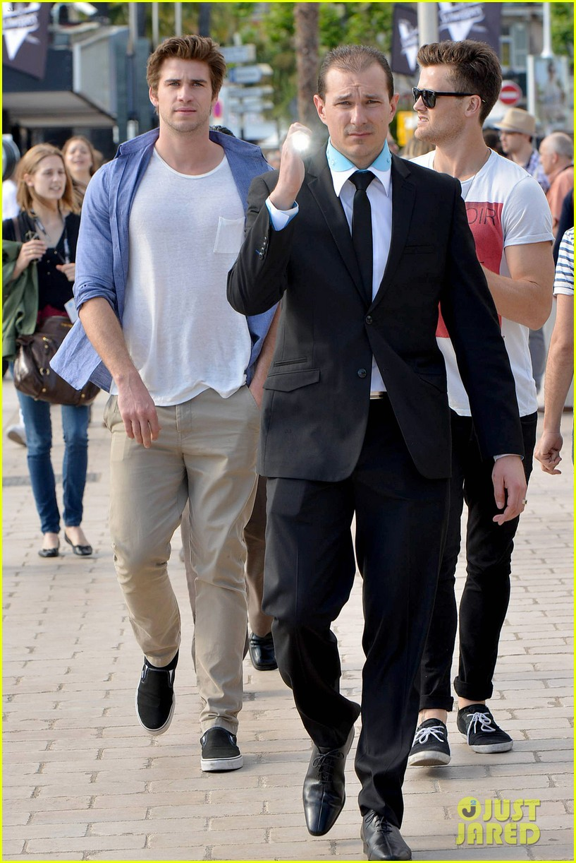 liam hemsworth josh hutcherson hunger games cannes party 16