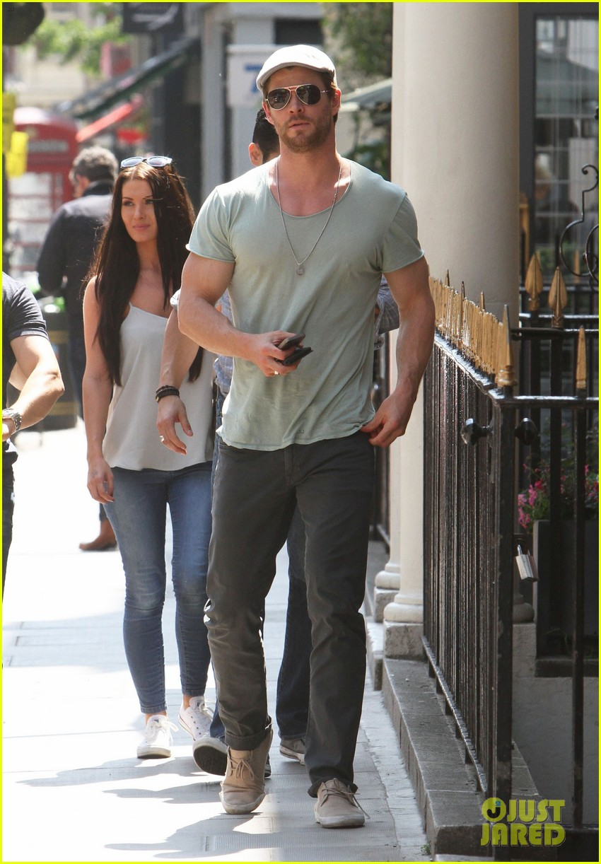 chris hemsworth pal is giving his muscles some competition 153117637