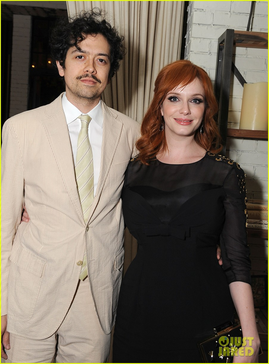 christina hendricks receives loads of support from mad men cast 083103775