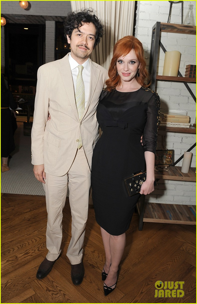 christina hendricks receives loads of support from mad men cast 103103777