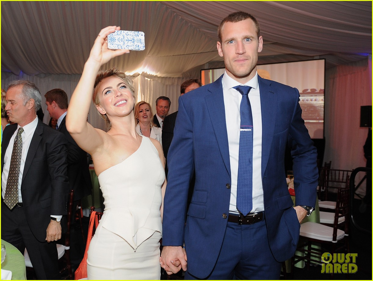 julianne hough brooks laich open hearts gala 05