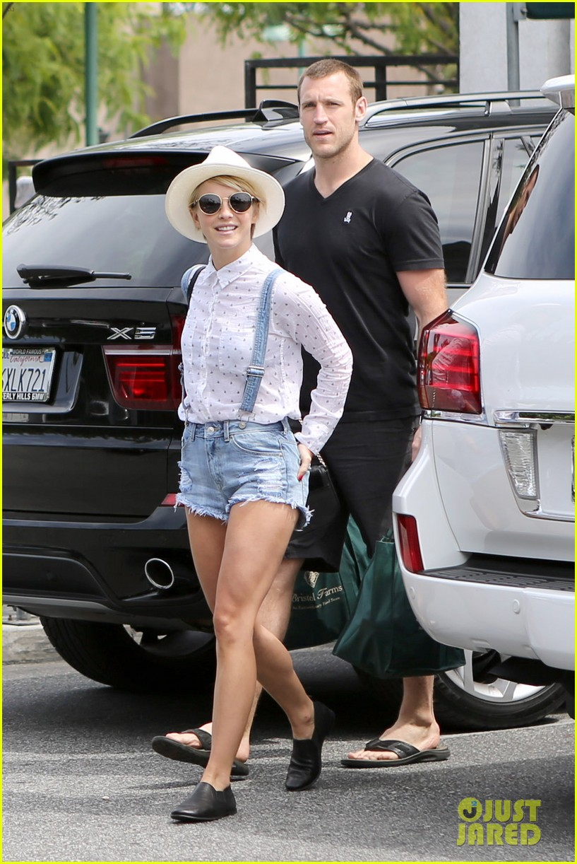 julianne hough says kind is the new cool 073102804