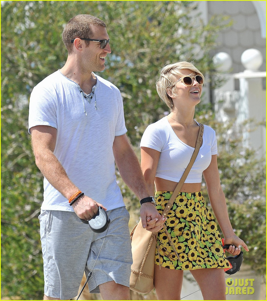 julianne hough brooks laich look so in love 023112473