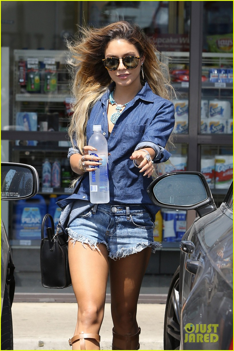 vanessa hudgens double denim boat life 13