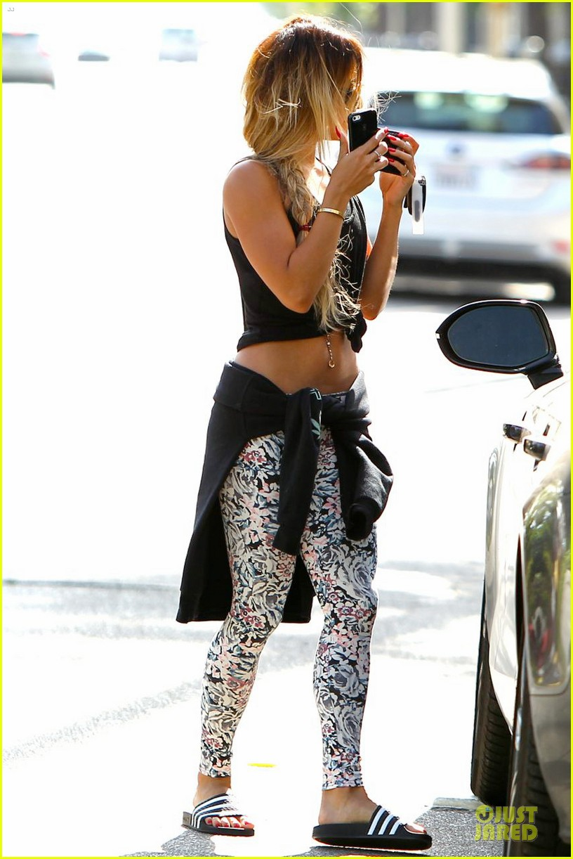 vanessa hudgens tummy gym workouts pay off 033105844