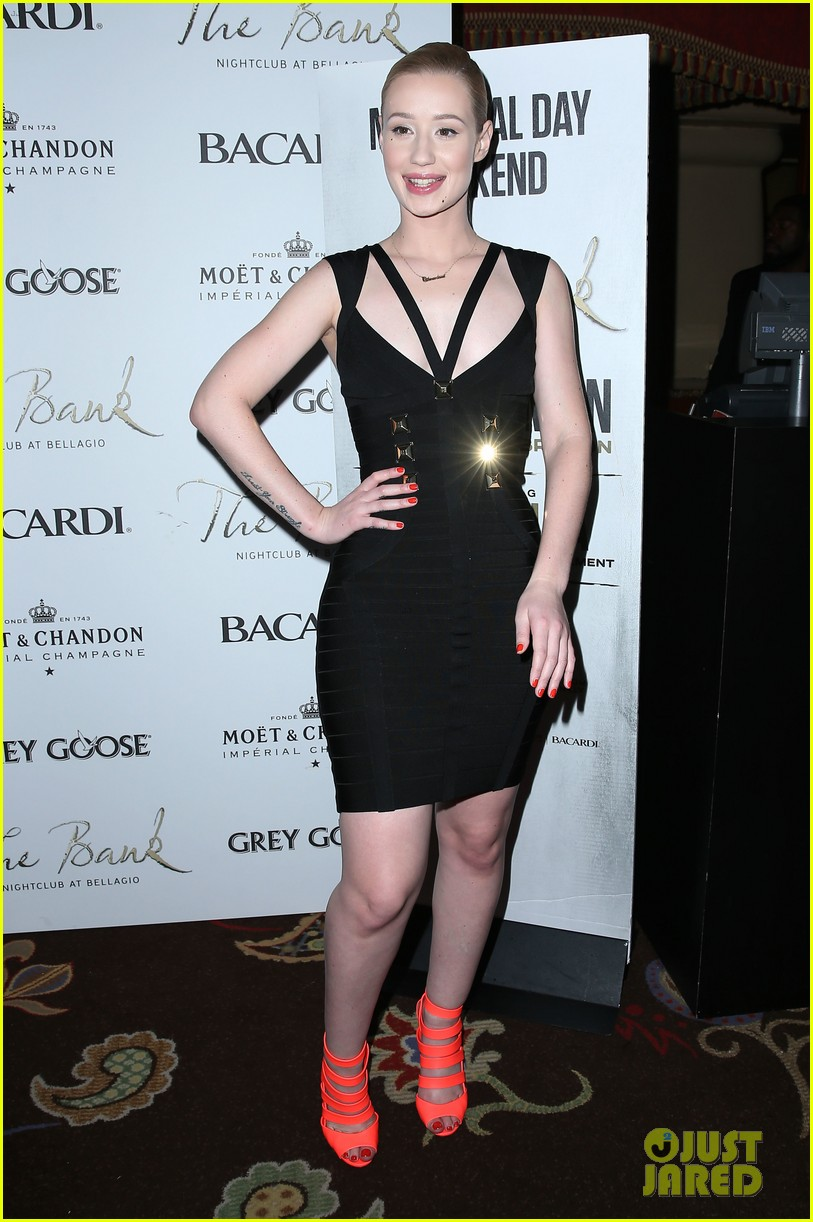 iggy azalea pops neon las vegas birthday celebration 12