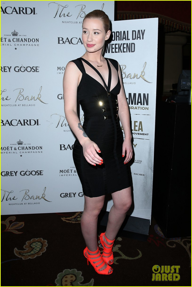 iggy azalea pops neon las vegas birthday celebration 143121890
