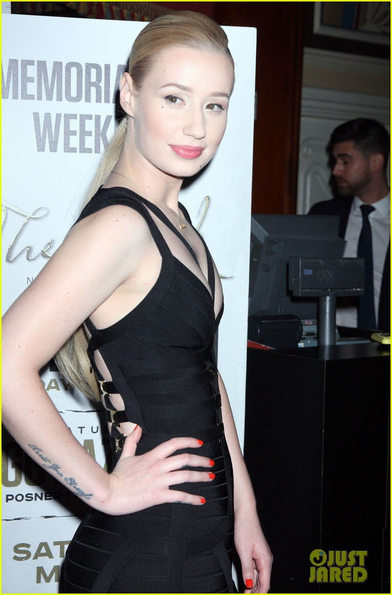 iggy azalea pops neon las vegas birthday celebration 173121893