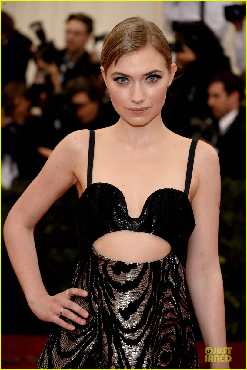 imogen poots bares midriff at met ball 2014 043106419
