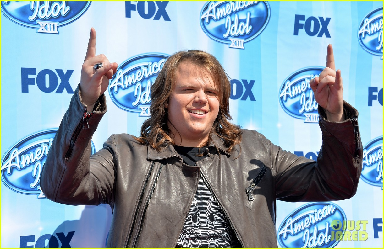 jena irene caleb johnson walk red carpet before american idol finale 063119280