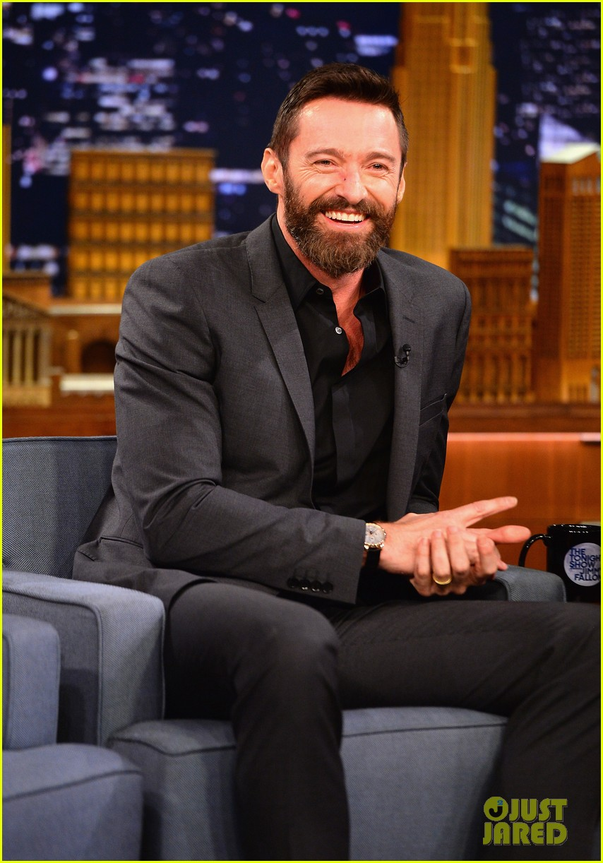 hugh jackman cooler scooter race with jimmy fallon 043119408
