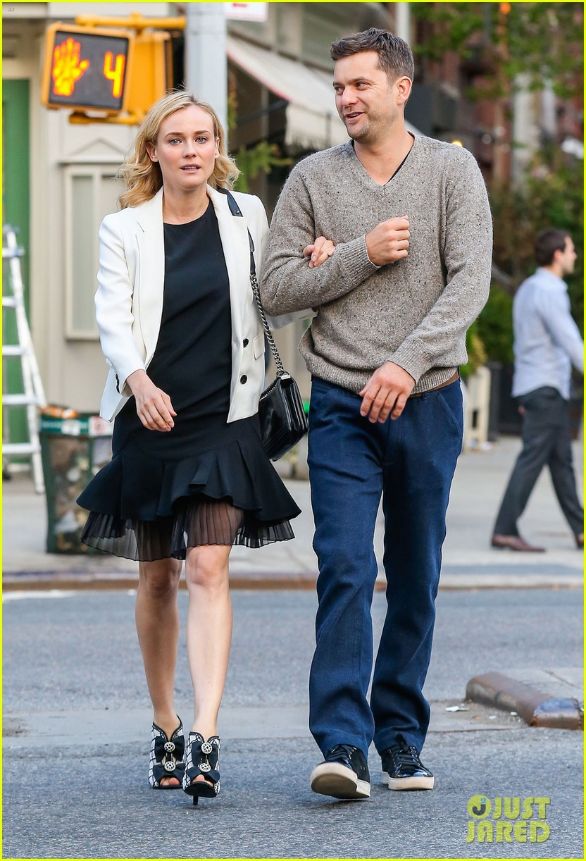 joshua jackson diane kruger walk arm in arm in big apple 03