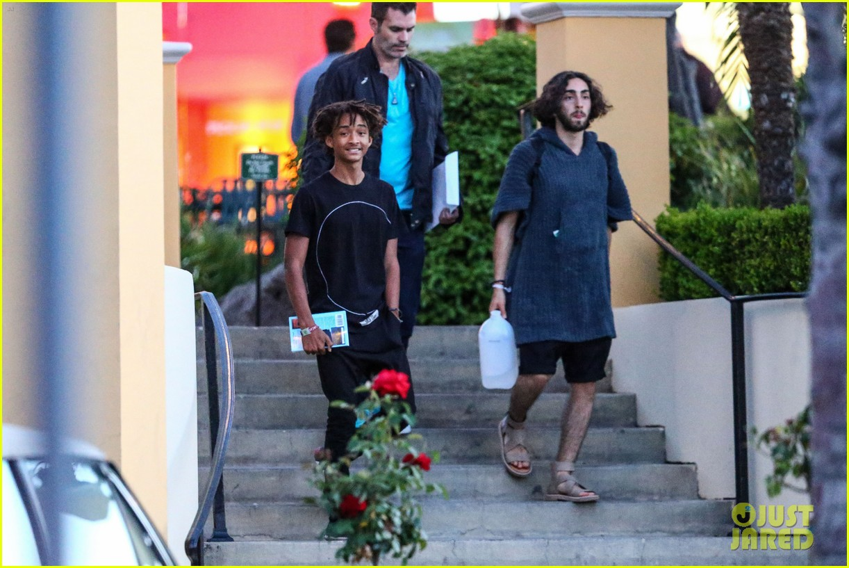 jaden smiths dad will smith helps fan announce pregnancy 19