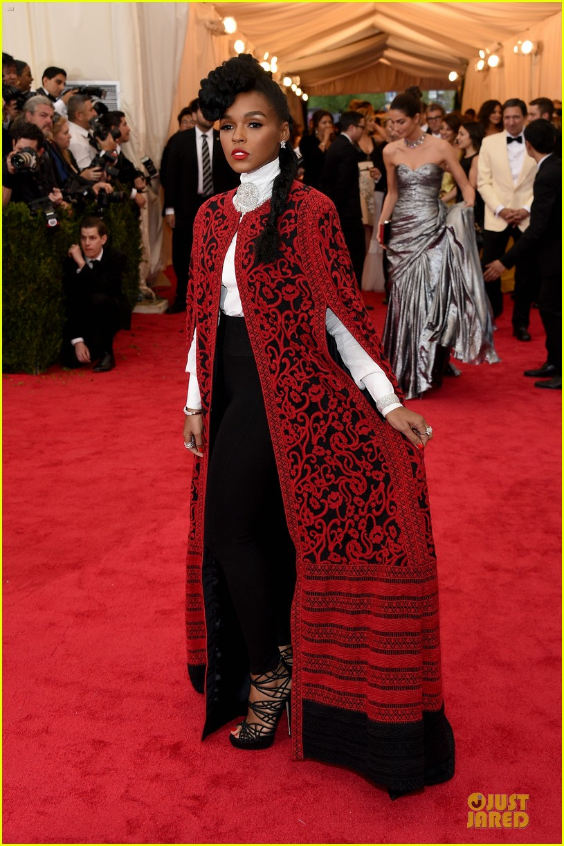 janelle monae devilish red met ball 2014 053106359