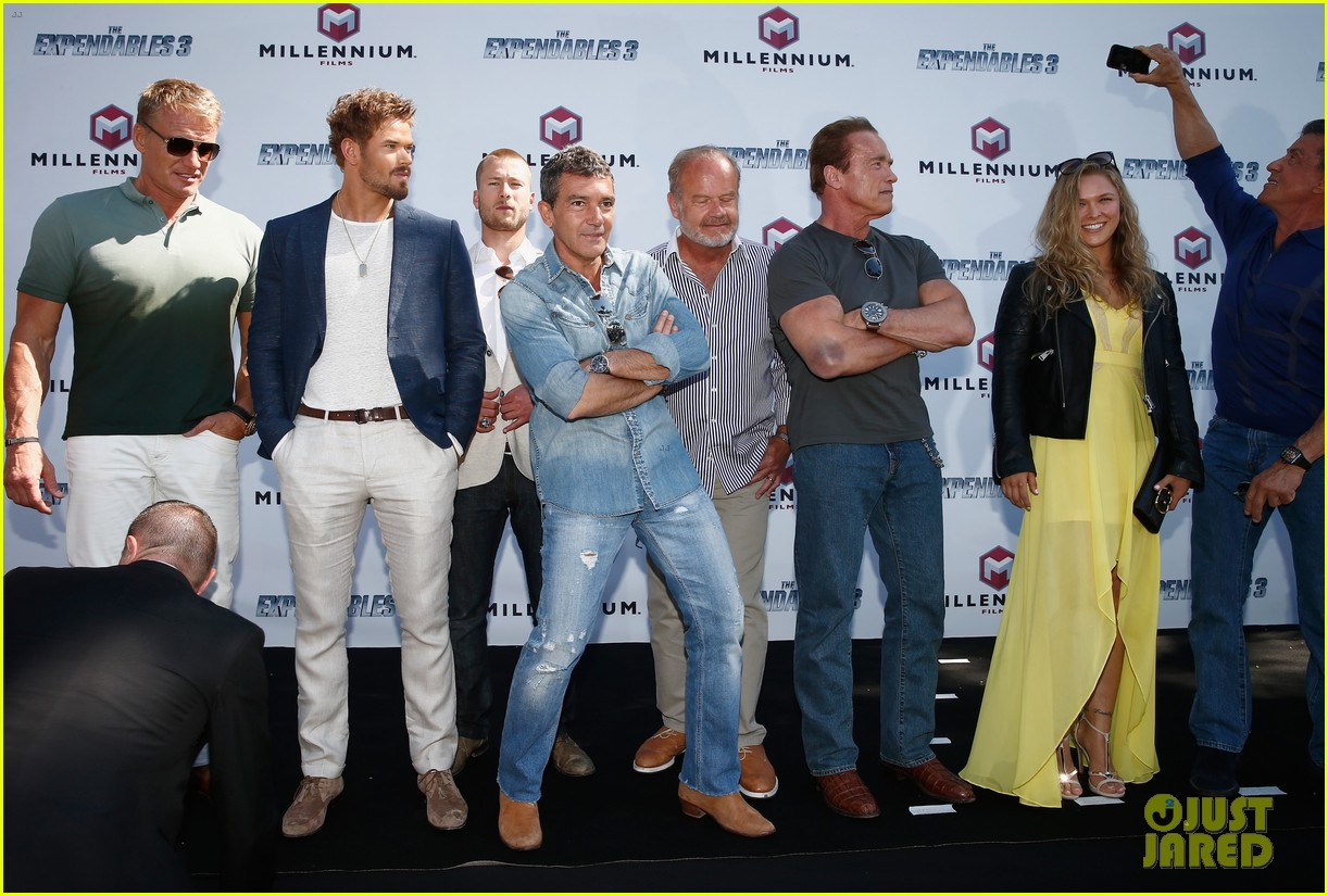 jason statham star studded expendables 3 photo call 333116553