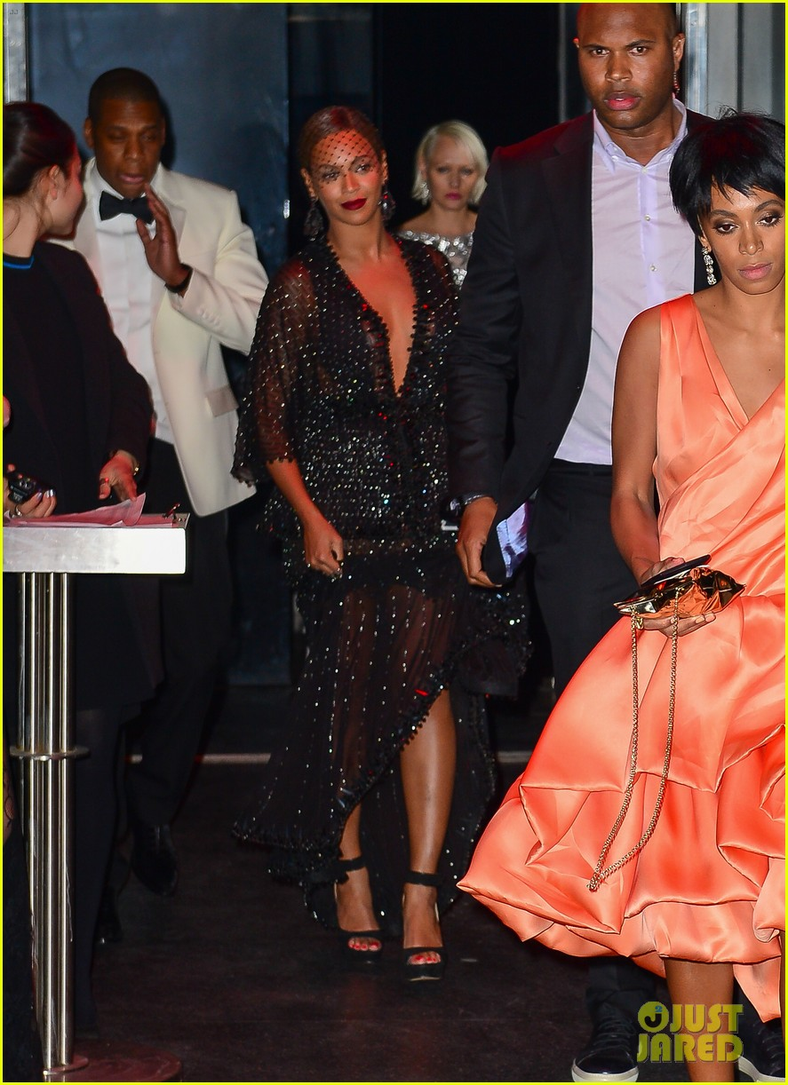 jay z leaves separately from beyonce solange 01