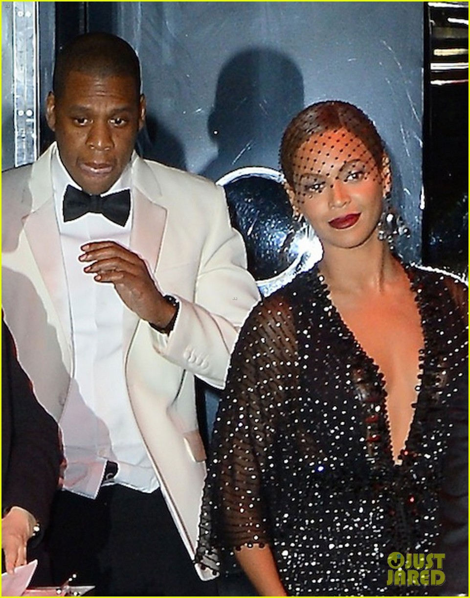 jay z leaves separately from beyonce solange 033111625