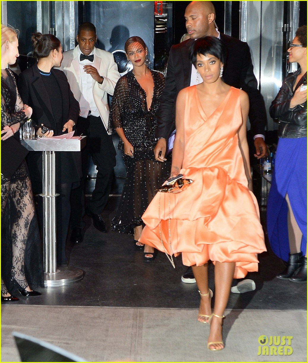 jay z leaves separately from beyonce solange 043111626