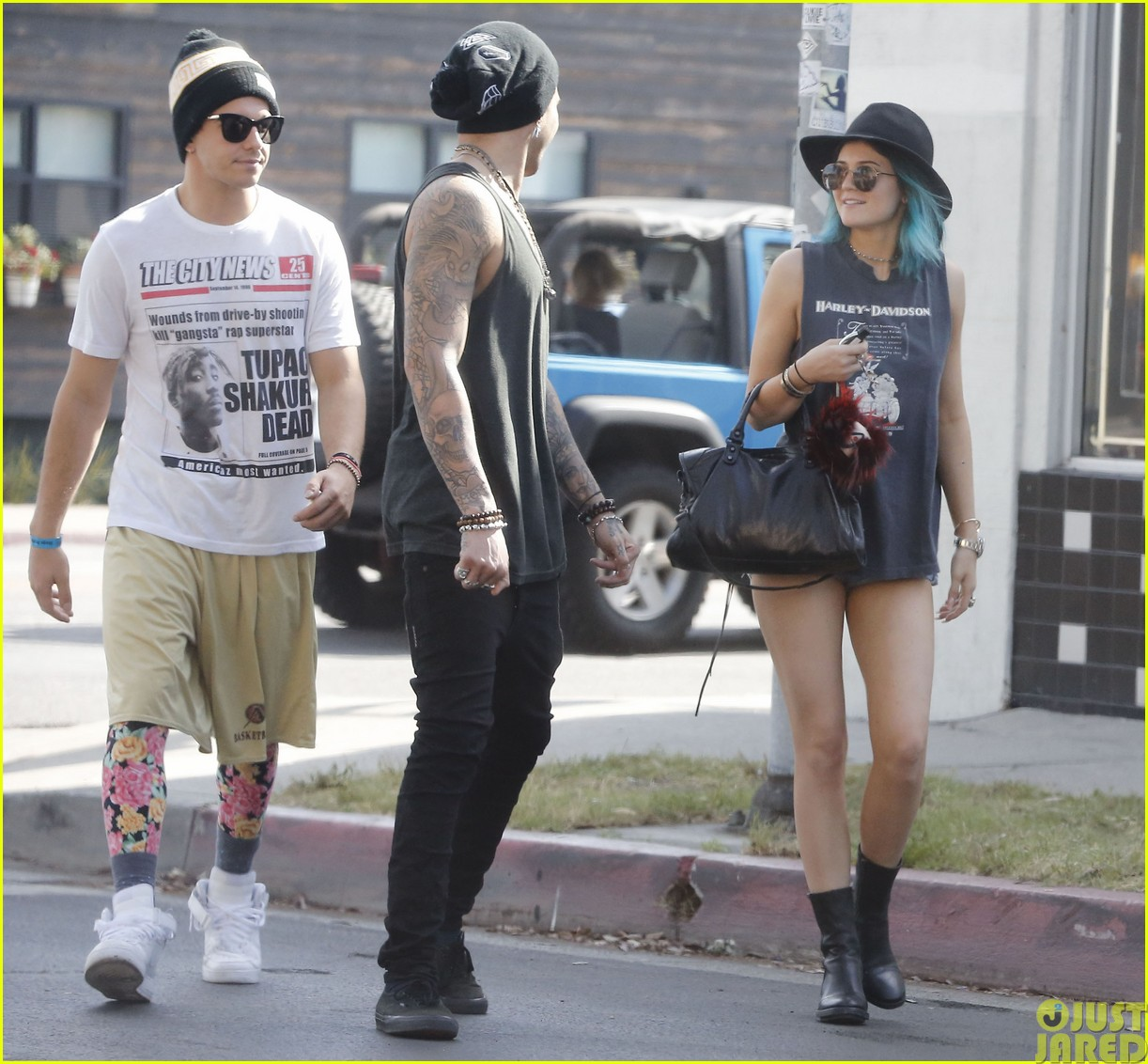 kendall and kylie jenner will be hosting the upcoming much music video awards163116396