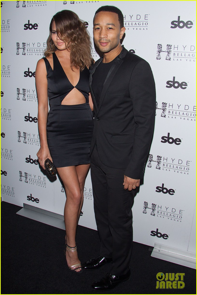 john legend brings bellagio wife chrissy teigen 05