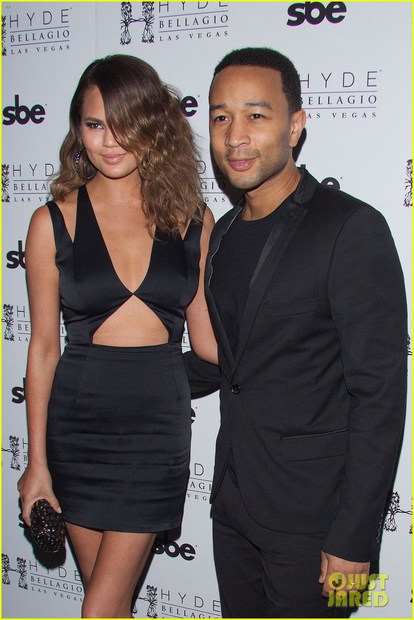 john legend brings bellagio wife chrissy teigen 113116616