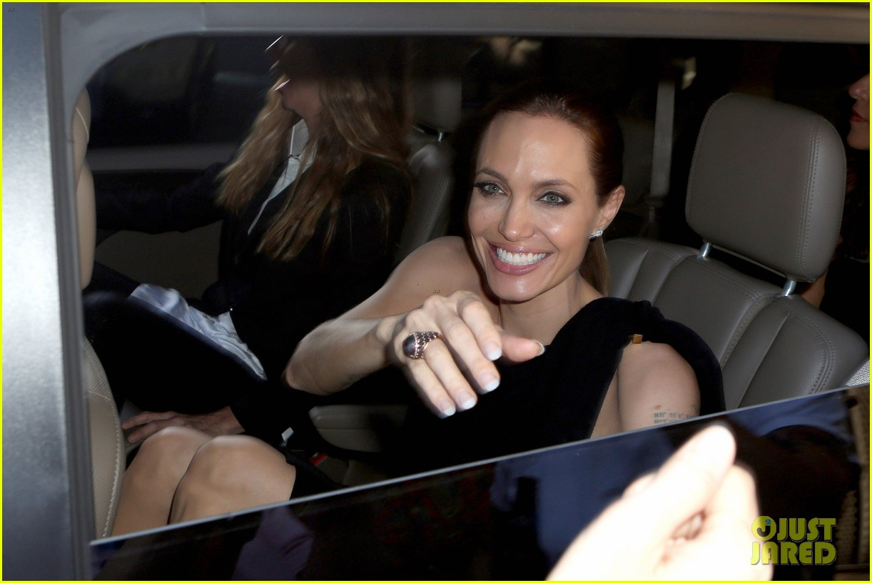 angelina jolie supports brad pitt make it right gala 013116139