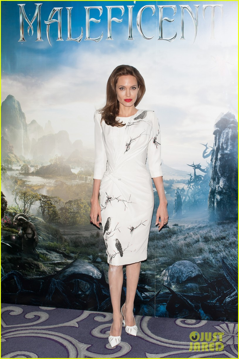 angelina jolie elle fanning are lovely in white at maleficent london 033109286