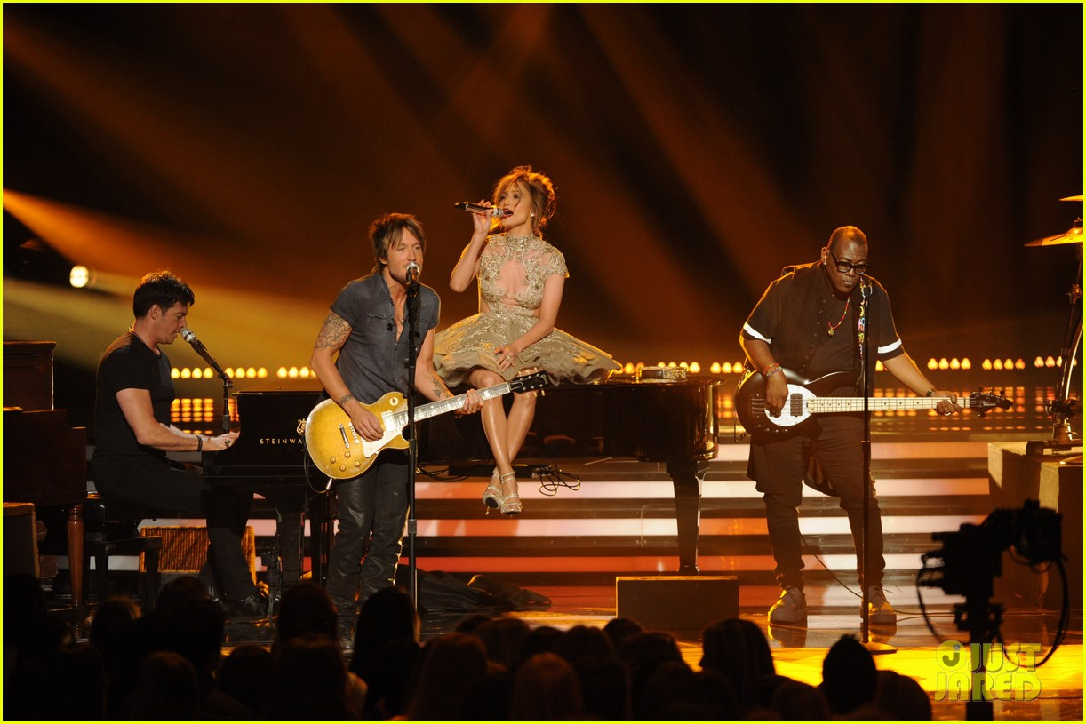 american idol judges perform together finale 023119388