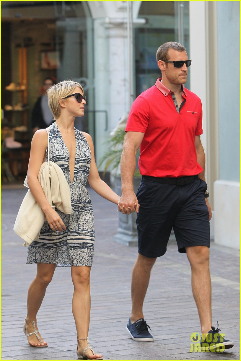 julianne hough brooks laich movie date 013117356