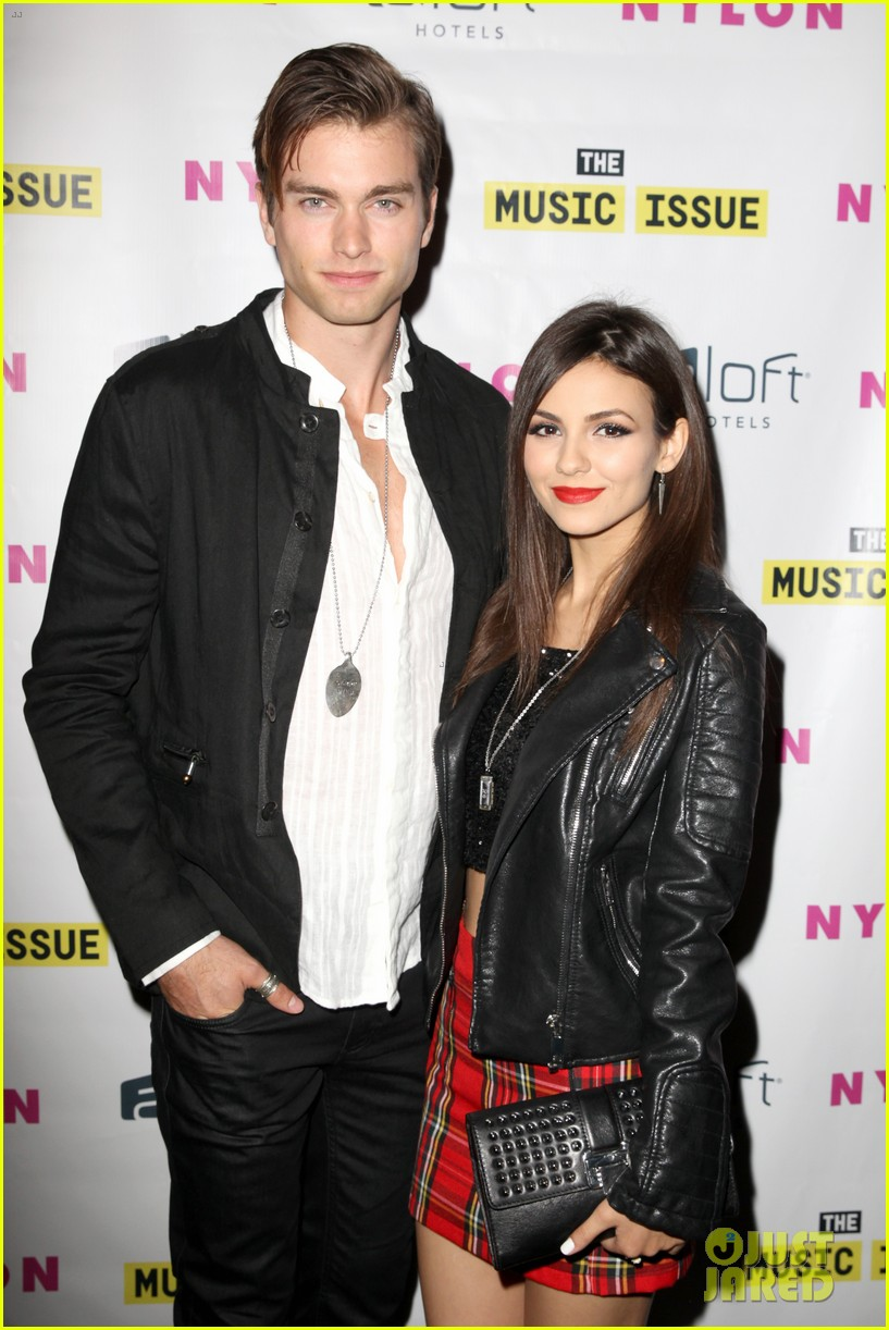 victoria justice joins joe jonas at nylons music issue party 013122559