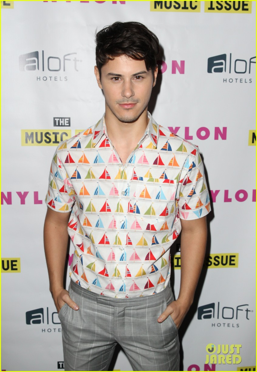 victoria justice joins joe jonas at nylons music issue party 053122563