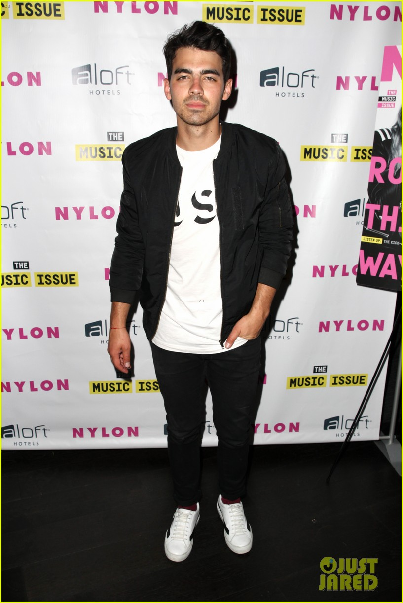 victoria justice joins joe jonas at nylons music issue party 073122565