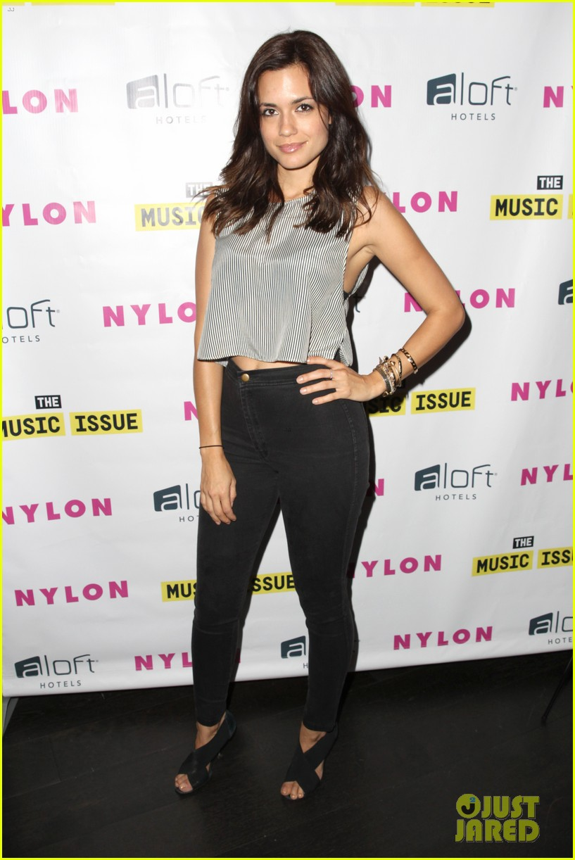 victoria justice joins joe jonas at nylons music issue party 14